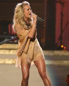 Carrie Underwood Replacing Faith Hill on Sunday Night Football Carrie Underwood Hot, Kerry Underwood, Carrie Underwood Pictures, Thats The Way, Western Style, Woman Crush, Sexy Legs, Oklahoma, My Idol