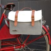Bolzano cycling pannier by New Looxs Bicycle Panniers, Bicycle Bag, Helmet Accessories, Cool Bike Accessories, Cycling Bag, Buy Bike, Cycle Chic, Bicycle Maintenance, Bike Shoes
