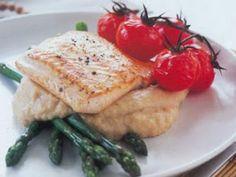 Recipe Main Dish : Salmon with garlic bean puree, asparagus and tomatoes by JezreelFoodExport