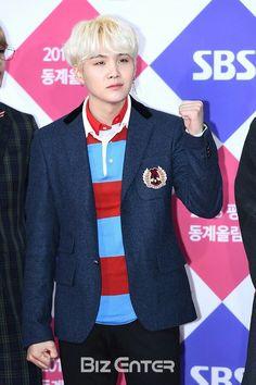 #Suga 17.12.25 BTS #SBSGAYODAEJUN #REDCARPET ♡