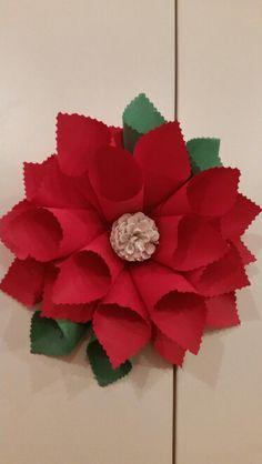 Decoratiuni  de craciun Christmas Time, Christmas Crafts, Christmas Decorations, Classroom Decor, My Favorite Things, Diy, Xmas, Bricolage, Do It Yourself