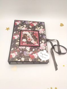 Album Photo Scrapbooking, Motif Floral, Creations, Etsy, Handmade, Floral Theme, Quirky Gifts