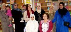 Los alumnos del 'Curso de Español para Extranjeros' conocen la Biblioteca del Varadero y el resto de infraestructuras culturales de Motril