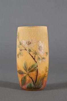 DAUM NANCY - Vase - 1908 ca. - cm 12,3 high; cm 5,8 diameter - Vase. Cameo glass [...], Design & Decorative Arts at Finarte | Auction.fr