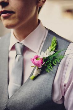floral boutonniere // photo by Khaki Bedford, flowers by Foxglove Floral Design // http://ruffledblog.com/diy-mount-guilan-wedding