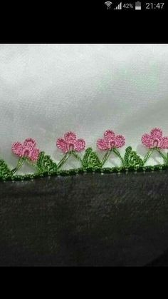 This Pin was discovered by Хаё Crochet Edging Patterns, Crochet Borders, Crochet Stitches, Embroidery Stitches, Hand Embroidery, Crochet Trim, Crochet Lace, Crochet Doilies, Crochet Flowers