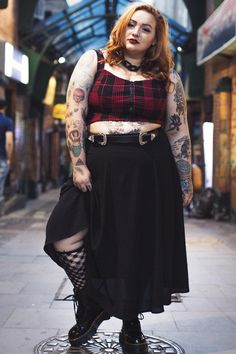 Curvy Country Clothing Source by ssjumi size goth Grunge Outfits, Punk Outfits, Curvy Girl Outfits, Plus Size Outfits, Fashion Outfits, Chubby Fashion, Fat Fashion, Plus Size Fashion, Plus Size Grunge
