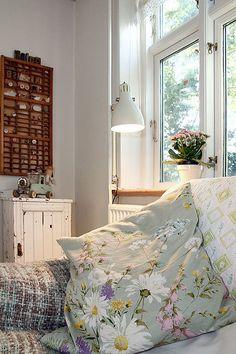comfy living room light