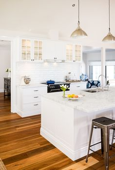 Design Styles, Coastal Style, Door Design, The Hamptons, Kitchen Design, Interior, Tips, Fashion Design, Home Decor