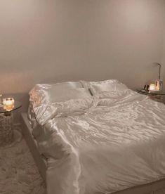 Room Ideas Bedroom, Bedroom Inspo, Home Decor Bedroom, Dream Rooms, Dream Bedroom, Deco Studio, Aesthetic Room Decor, Dream Apartment, My New Room