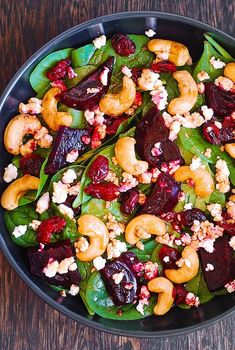 Beet Salad with Spinach, Cashews, Cranberries, and Goat Cheese Salad Recipes Low Carb, Spinach Salad Recipes, Salad With Spinach, Keto Recipes, Cooking Recipes, Baby Spinach, Veggie Recipes, Dinner Recipes, Salad Bowls