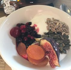 Hotel nowadays are very much aware that breakfast is much more than the traditional cooked English breakfast (there is nothing equal of course) however I do like to start with my live yogurt fruit and seeds! @crowneplaza Solihull #fdbloggers #foodie #startthedayhappy #beststartoftheday #hotelbrekkie  #tweet