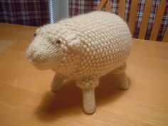 old fashioned sheep knitting pattern free from Ravelry