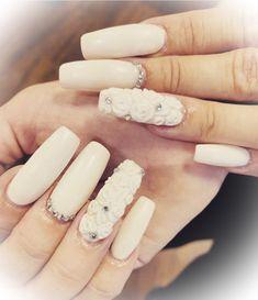 Divine Nails & Beauty, Lenzburg – 076 249 19 48 – www.divnie-nb.ch #nails #nagelstudio #gelnails #acrylnails #maniküre #pediküre #beauty #kosmetik #lashes #wimpern #makeup #volumenwimpern #permanentmakeup #microblading #abendmakeup #augenbrauen #lenzburg #aargau #shellack #hyaluron #tagesmakeup #kinnkorrektur #nasenkorrektur #falten #lippenkorrektur #lippenvergrössern #lippenaufschpritzen #love Tages Make-up, Acryl Nails, Beauty Nails, Nail Studio