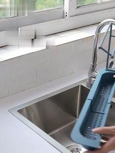 Kitchen Plastic Telescopic Sink Drain Basket Rag Storage Rack Cool Kitchen Gadgets, Diy Kitchen, Kitchen Sink, Kitchen Interior, Cool Kitchens, Kitchen Decor, Kitchen Appliances, Kitchen Organisation, Small Space Organization