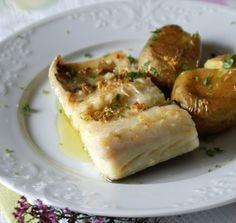 Bacalhau assado com batatas - fácil, rápido e delicioso