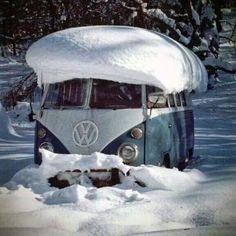 Loving his snowy hat :) #VW