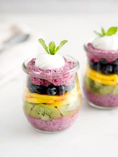Up your game with this bright and beautiful Blueberry Chia Pudding Parfait. Bonus: They are so tasty you'll be making 'em all summer long. Blueberry Recipes, Fruit Recipes, Dessert Recipes, Healthy Recipes, No Cook Desserts, Fancy Desserts, Parfait Recipes, Party Dishes, Flan
