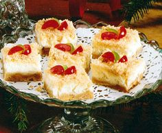 Holiday Cheesecake Bars Recipe - http://www.allbakingrecipes.com/recipes/holiday-cheesecake-bars-recipe/