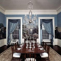 White House Rooms You Won't See on the Tour White House Rooms, White House Interior, Us White House, Blue Rooms, White Rooms, White House Washington Dc, Family Dining Rooms, Architectural Digest, Architecture