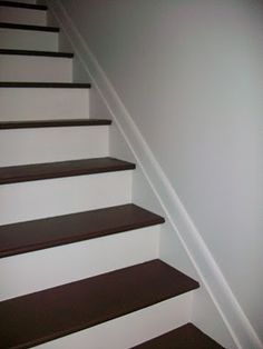 lovely clean lines - painted steps - maybe for the main staircase from the entrance???
