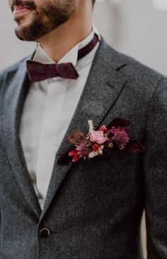 Tired of classic wedding colors, this team of talented German wedding professionals created a cozy color scheme for this black fall wedding inspiration burgundy wedding Burgundy and Black Fall Wedding Inspiration at Papiermühle Homburg Burgundy And Grey Wedding, Grey Suit Wedding, Wedding Men, Wedding Attire, Trendy Wedding, Floral Wedding, Wedding Colors, Wedding Rustic, Fall Wedding Suits