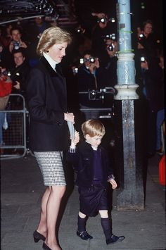 Princess Diana and Prince Harry attend young William's Christmas play. via StyleList