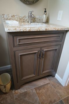 This laundry room provides the perfect complement to the home's newly remodeled… New Kitchen Cabinets, Bathroom Cabinets, Laundry Powder, Farmhouse Laundry Room, Laundry Room Design, Granite Countertops, Building A House, Vanity, Jay