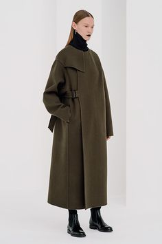 HYKE 2016-17年秋冬コレクション - ワーク&ミリタリーに刺激を加えて、都会的に | ニュース - ファッションプレス