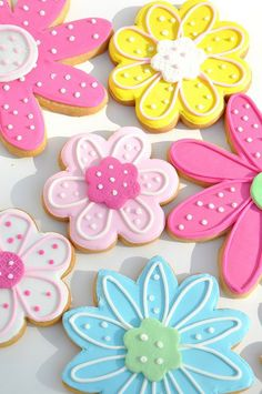 cool Flower Shaped and Icing Sugar Cookies...