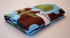 knitting needle roll -- the page is in Norwegian, but you get the idea. Tote Purse, Knitting Needles, Knit Crochet, Sewing Projects, Sew Bags, Quilts, Purses, Project Ideas, Creative