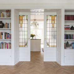 Home Design Decor, House Design, Interior Design, Home Decor, Room Seperator Ideas, Bookshelf Room Divider, Dining Room Windows, Dining Room Storage, Dutch House