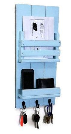 Oxford Collection Mail Organizer with Shelf by Renewed Decor & Storage This Vertical Mail Holder with shelf features three metal hooks, a single slot for mail, one integrated display shelf with lip to Pallet Crafts, Diy Wood Projects, Home Projects, Wood Crafts, Woodworking Projects, Mail Holder, Pallet Furniture, Home Organization, Organizing