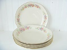 5 Vegetable Bowls Homer Laughlin Pink Daisies by MaryWaldsPlace #GotVintage  #Vintage  #Kitchen