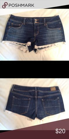 American Eagle Shorts Size 10 Stretch Denim Shorts with Lace Trim. Shorts Jean Shorts