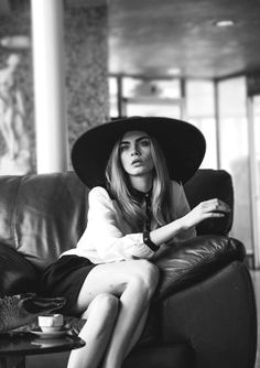 Image via We Heart It #beautiful #black&white #blackandwhite #cara #cuo #cup #cute #fashion #gif #girl #hat #Hot #model #photography #pretty #sexy #skinny #sofa #caradelevingne