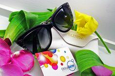 Nella nuova collezione di #occhiali da sole #Valentino realizzata per la stagione primavera/estate 2015 trovano grande spazio anche i #cateye impreziositi dall'effetto pizzo nero a contrasto #PE15 #SS15 #sunglasses #eyewear #style #moda