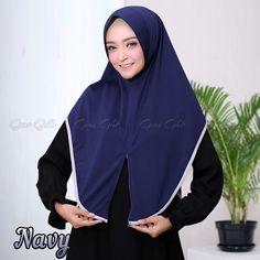 Hijab Ideas, Hijabs, Hijab Fashion, Rain Jacket, Windbreaker, Zipper, Facebook, Detail, Jackets