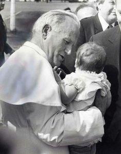Jean Marie y Anouk Meyer son miembros del Pontificio Consejo para la Familia y describen la cercanía y compromiso del Pontífice.