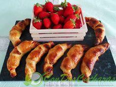 ConDosCucharas.com Croissant con fresas - ConDosCucharas.com