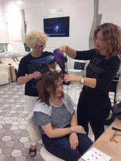 ¡Ayer en L'Oréal Professionnel!  Somos un grupo unido creando belleza