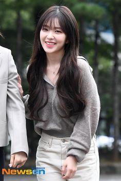 Girl Outfits, Cute Outfits, Fashion Outfits, Seulgi, Korean Girl, Asian Girl, Irene Kim, Red Velvet Irene, Velvet Fashion
