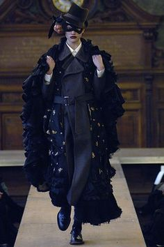 Comme des Garçons Fall 2006 Ready-to-Wear Fashion Show