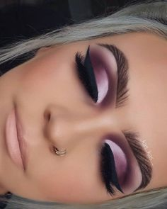 Stunning Eye Makeup Ideas · Brighter Craft - - Stunning Eye Makeup Ideas · Brighter Craft Beauty Makeup Hacks Ideas Wedding Makeup Looks for Women. Makeup Looks For Green Eyes, Makeup Eye Looks, Beautiful Eye Makeup, Stunning Eyes, Cute Makeup, Smokey Eye Makeup, Makeup Geek, Makeup Inspo, Eyeshadow Makeup