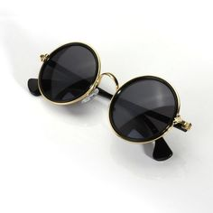 Unisex Vintage Retro Round Golden Metal Mirrored Sunglasses (330 INR) ❤ liked on Polyvore featuring accessories, eyewear, sunglasses, mirrored sunglasses, round sunglasses, round mirror sunglasses, retro mirrored sunglasses y mirror sunglasses