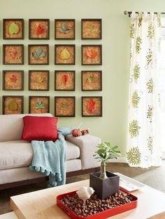 Galeria de quadros outonais na sala de estar    Eu Decoro