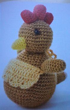Tuca, la Gallina Amigurumi - Patrón Gratis en Español aquí: http://creacionesmarielacrochet.blogspot.com.ar/2014/11/tuca-la-gallina.html