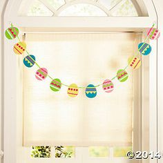 Easter egg garland - would be really easy to make out of felt.