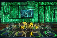 Warner Brothers and 'In Style' Golden Globes Party: For the In Style party, Thomas Ford of Tom Ford Designs drew inspiration from the forests of the Australian Blue Mountains, with branches reflected in the event's splashy decor. Chargers, flatware, china, and flatware on the tabletops came from Classic Party Rentals.