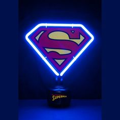 Lampe Néon Superman Logo. Kas Design, distributeur de Produits Superman.